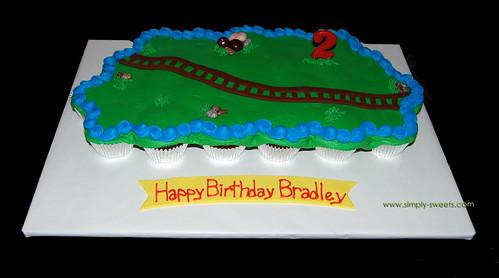 train cupcake cake Bradley