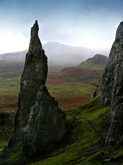 Needle (the44mantis) Tags: sky mountain rock landscape island scotland isleofskye escocia highland hebrides schottland schotland ecosse trotternish scozia quiraing