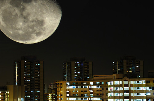 Moon over Teck Whye Lane