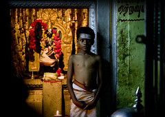 Boy in an Hindu temple - India (Eric Lafforgue) Tags: india night children temple democracy kid child explore indie indi enfant indien hind indi inde hodu southasia indland  hindistan indija   ndia hindustan   lafforgue   ericlafforgue hindia 8428  bhrat  indhiya bhratavarsha bhratadesha bharatadeshamu bhrrowtbaurshow  hndkastan