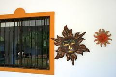 Ventana y soles - Santiago, México (myrmardan) Tags: santiago sun sol window mexico ventana soleil fenster finestra nuevoleon mexique janela sole sonne fenêtre mexiko messico mado メキシコ mekishiko