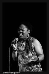 Jean Carpenter (nonodublues) Tags: photography blackwhite nikon jazz blues soul gospel photographe noretblanc d700 brunomigliano nonodublues jazzclublionelhampton jeancarpenter photorgraper