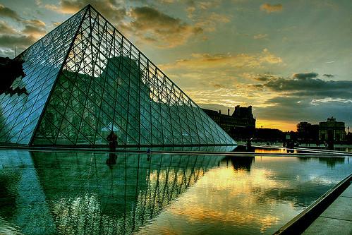 Atardecer en el Louvre by marathoniano.