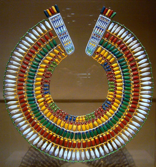 темы.  Это ожерелье представлено в Музее Искусств Метрополитан.