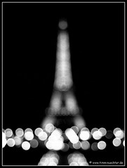 Out of focus! (t.klick) Tags: bw white black paris france tower frankreich europa europe tour eiffeltower eiffel eifel toureiffel architektur turm trocadero eifelturm tourdeiffel blackwhitephotos artlegacy bwartaward