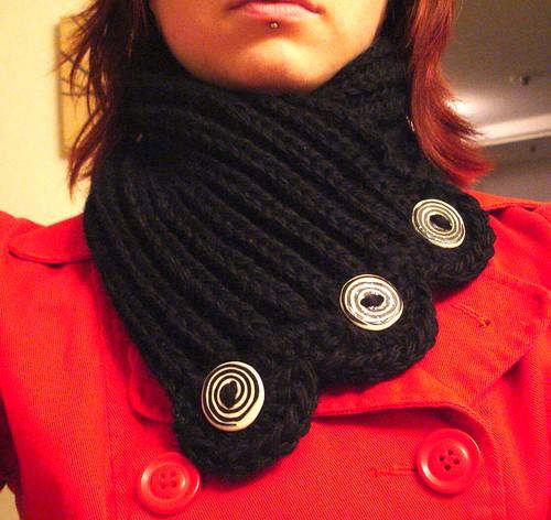 Swirl neckwarmer
