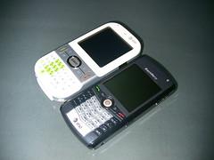Palm Centro & BlackBerry Pearl Compared
