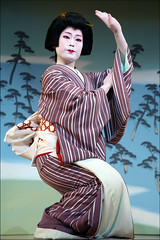 F U K U W A K A : Kyo Odori (mboogiedown) Tags: travel people woman beauty japan asian japanese dance interestingness kyoto asia traditional culture explore geiko geisha kyo kimono kansai odori miyagawa miyagawacho hanamachi oshiro kyomai i500 fukuwaka
