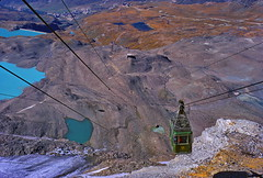 Cable car approaching Tête Grise on Plateau Rosa (Yvon from Ottawa) Tags: italy lake alps water turquoise glacier skiresort cablecar matterhorn breuil cervinia meltwater plateaurosa breuilcervinia planmaison goillet