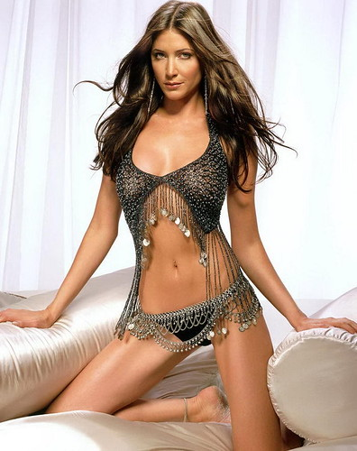 Lisa Snowdon bikini photos