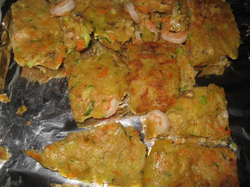 해물파전 (Korean seafood pancake)