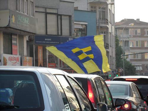 Természetesen zászló is kell!