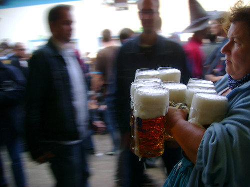 schaumträgerin by m-ART-in.