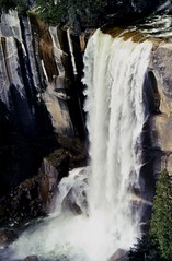Vernal Falls, Yosemite, on the Mist Trail (moonjazz) Tags: waterfakk yosemite mistfalls power agua life beauty awe wonder hiking hike walk peace nationalpark california treasure path falls waterfall america stunning best mist haven paradise wilderness usa merced steep cliff spring