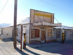 The Outpost: former post office and general store at the center of Darwin, a dusty ghost town on the edge of Death Valley, California - darwin14x