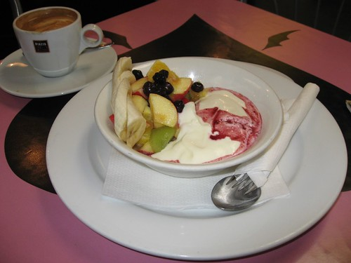 Fruit w/yogurt and capuccino in Wellington