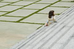lone kid (8 of 8) (f_mafra) Tags: kids stairs children temple child buddha religion steps sp escada meditation criana 2008 buda templo religio budismo meditao cotia degrau orient