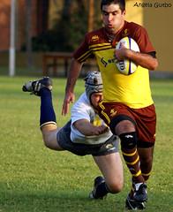 Alumni vs Markham (segunda fecha)/ Robie cayendole al tackle.... / Andrew Five 2 centro de Markham (Angela Gutbo Photography) Tags: alumni markham ltytr2 ltytr1