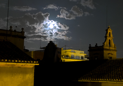 Moon over Valencia-1