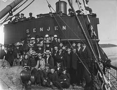 PEM-TOI-GP00191 Gruppebilde ombord i «Senjen»