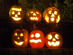 Jack O'Lanterns (Joe Shlabotnik) Tags: halloween pumpkin jackolantern 2007 faved october2007 myphotoseverywhere heylookatthis