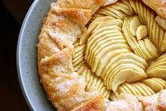 (smitten) Tags: apple baking simplicity tart appletart alicewaters jacquesppin