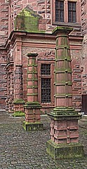 Aschaffenburg: Schloss Johannisburg: Courtyard (bill barber) Tags: window stone architecture germany ventana bayern deutschland moss sandstone pierre main pillar decoration courtyard palace cobble cobblestone finestra ornament german alemania janela column baroque schloss tyskland stein fentre sandstein soe barock bundesrepublik germania alemanha duitsland portico grs deutsche aschaffenburg ornamentation piedra okno vindu banded venster lallemagne fnster schlossjohannisberg  spessart billbarber noreflex doitsu niemcy njemaka saksa nmetorszg beautyisintheeyeofthebeholder arenisca passionphotography njemacka  nemecko mywinners mywinner  flickrelite colourartaward betterthangood wdwbarber kreisfreiestadt williambarber  bbarber1 germnia