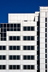 AA#2 (Stringendo) Tags: windows architecture modern bluesky bbc whitecity offices novideo