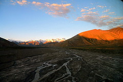 Dry Riverbed (Luo Shaoyang) Tags: china landscape scenery tibet riverbed geography       qinghai dryriverbed nikond200    tanggula golddragon abigfave anawesomeshot aplusphoto  diamondclassphotographer luoshaoyang searchandreward colourartaward danglamountains