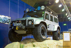 Land Rover Defender - Kuwait International Auto Show (Mishari Al-Reshaid Photography) Tags: truck canon eos is offroad kuwait suv landrover canoneos carshow defender q8 lseries coolshots landroverdefender llens canonlens imagestabilizer q80 xti 400d ef24105 mishari di