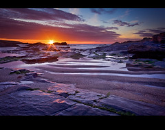 What If The Earth Stopped Spinning? (jasontheaker) Tags: ocean sunset sea sun holiday sunrise bay sand pub rocks dusk earth atlantic spinning stereotype landscapephotography trevosehead 13000views jasontheaker ostrellina cf2007nov trovone