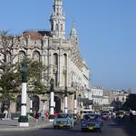 La Habana: El Gran Teatro de la Habana en el paseo del Prado