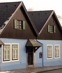 Blue house (LavaLumi) Tags: blue house grizing architecture imagelink vienna 400d eos canon canoneosrebelxti top great fantastic hi colorful canoneos400ddigital canonefs1855mmis plim lambrosrousodimos pro lavalumi rousodimosl