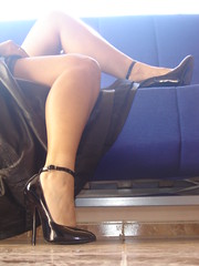 Pumps 4 (lady_dulciny_boots) Tags: leather clothing pumps legs charol