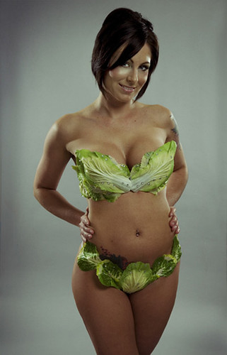 Nikole poses for photo wearing bikini made of lettuce leaves