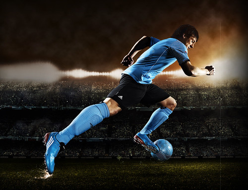 messi vs ronaldo wallpaper. wallpaper 2010 messi vs
