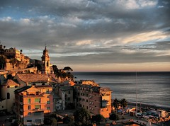 Kissed by the last rays of sun (klausthebest) Tags: houses sea italy panorama sun seascape beautiful clouds bravo italia nuvole village liguria case belltower chiesa campanile cielo sole soe sori italians nubi naturesfinest villaggio wonderworld magicdonkey passionphotography 25faves golddragon mywinners karmapotd platinumphoto anawesomeshot ultimateshot holidaysvacanzeurlaub diamondclassphotographer superhearts theunforgettablepictures thatsclassy colourartaward platinumheartaward wonderfulworldmix theperfectphotographer bachspicsgallery thegardenofzen great123