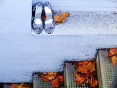 """My feet are killing me.....!"" (Steve-h) Tags: autumn ireland dublin woman abandoned window girl lady silver dance shoes dancing faith steps deadleaves dancer finepix fujifilm whitewall steveh 79f flickrsbest mywinners abigfave s9600 aplusphoto goldenphotographer superhearts 15challengeswinner theperfectphotographer betterthanbgood seeninonabasementwindowindublin 1660v"
