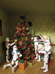 Stormtrooper Christmas Party (ShellyS) Tags: christmas toys miniatures starwars holidays stormtroopers explore actionfigures