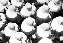 En route vers l'Htel de Ville (nathaliehupin) Tags: carnaval gille novideo binche challengeyouwinner photographebruxelles nathaliehupin photographeluxembourg photographehainaut photographenamur photographeliege photographemons photographebelgique wwwnathaliehupinbe wwwnathaliehupingraphismebe