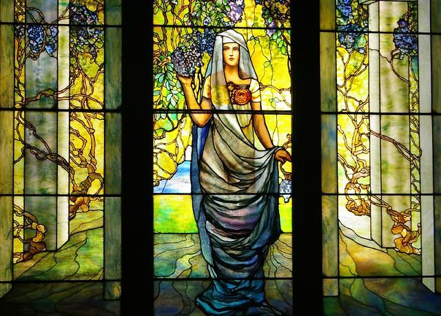 window glass virginia norfolk stainedglass artnouveau tiffany wisteria hamptonroads norfolkvirginia chryslermuseum pentaxistdl brillianteyejewel justpentax