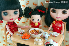 CNY Elements - Reunion Dinner (cloudz.) Tags: toys chinesenewyear cny blythe morgan ming qipao dingdang ddung chinesefashions cny08 cnyelements singaporehandmaderement mdmang