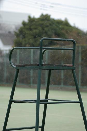 雪のテニスコート