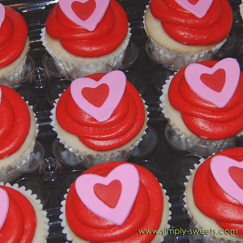 red Valentine cupcakes
