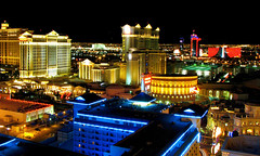 Las Vegas skyline at night (Nino H) Tags: light usa luz colors rio skyline night hotel noche lumire nevada casino bellagio nuit caesarpalace lasvegs nohdr mywinners