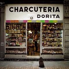 Charcutera Dorita (karramarro) Tags: sigma bilbao jardines cascoviejo dorita dp1 charcuteria comerciosbotxeros dmstklafotodeldia