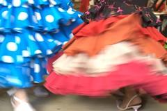 Algaraba del sur (Reina Ca) Tags: espaa dance movement sevilla andaluca spain movimiento seville polkadot sevillanas bailar andalusie lunares folclore feriadeabril volantes eos450d faralaes flounces vestidodegitana tamron18270 reinaca ngelacapitn