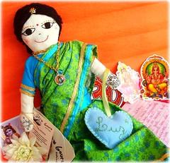 Namast! (Lidia Luz) Tags: amigos doll handmade indiana fabric boneca tecido goura