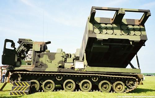 راجمة الصواريخ الامريكية الرهييبة M270 MLRS............ شامل 1573746991_0b80e146a5