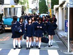 People in Tokyo (Chris Kutschera) Tags: street tokyo schoolgirl japon ambiance extremeorient ecoliere